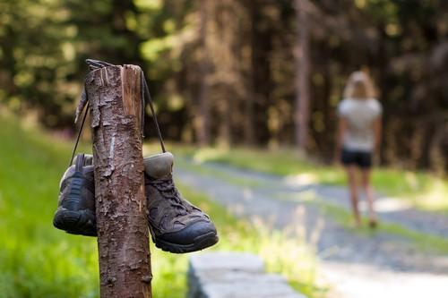 Sommer-Wanderzeit-Wandern-Wanderschuhe
